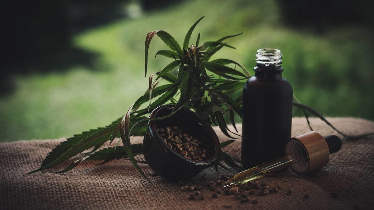 6 Surprising Health Benefits Of CBD Oil