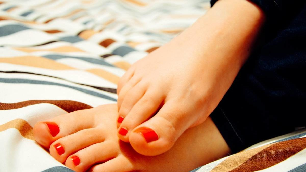 Essential Tips To Take Care Of Your Feet
