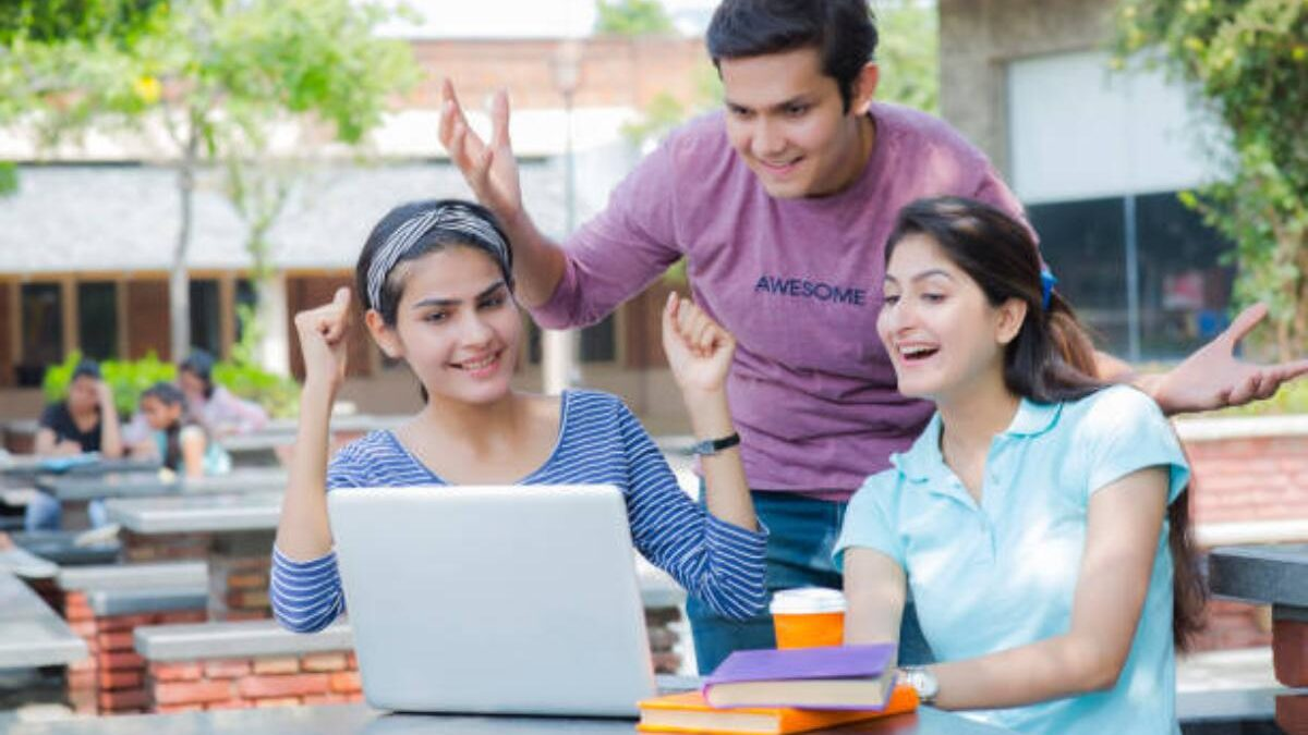 Best Internet Plans For College Students 2021